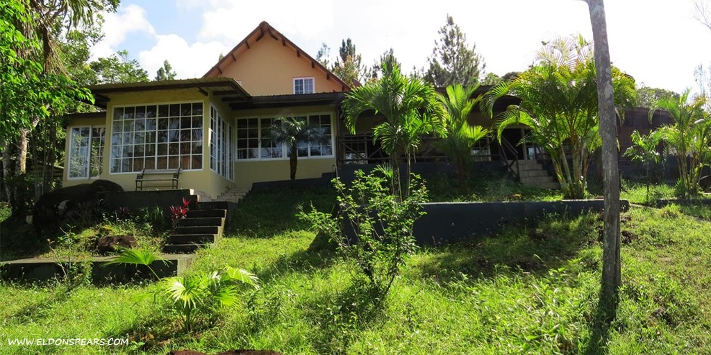 ALTOS DEL CERRO AZUL, Panama - 3 Houses & 2 Lots for Sale!  $480,000