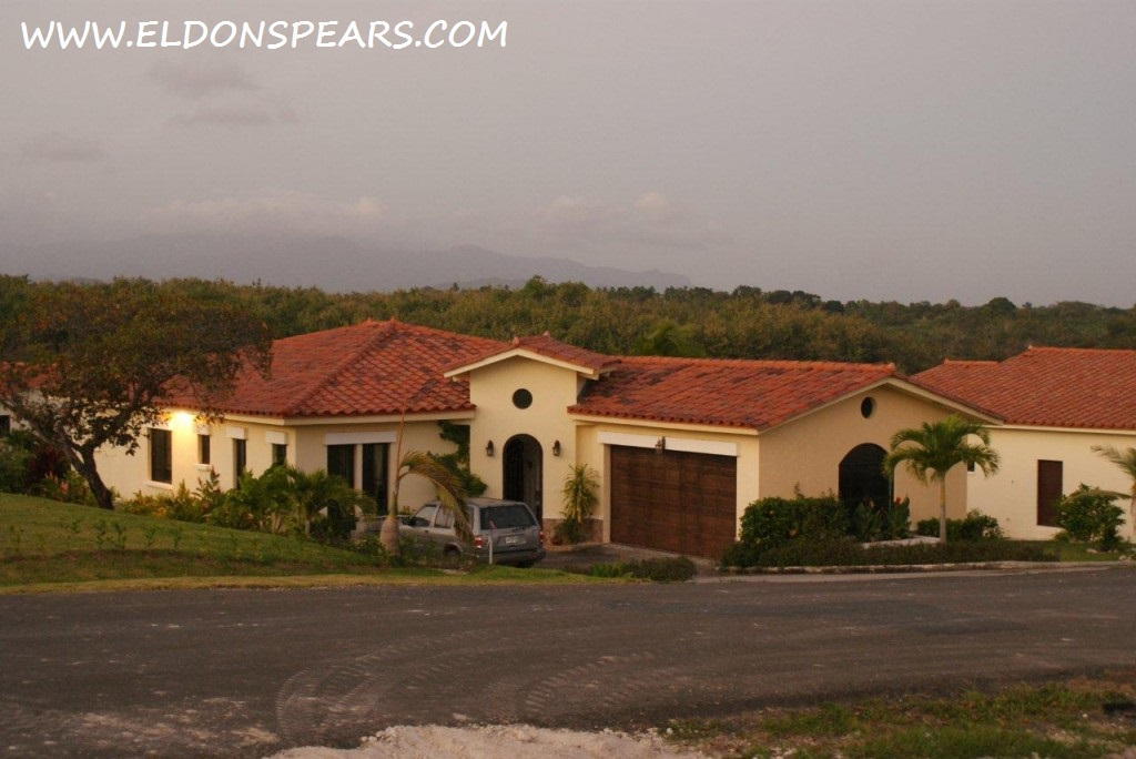 Coronado, Panama - Hacienda Pacifica - House for Sale  $399,000