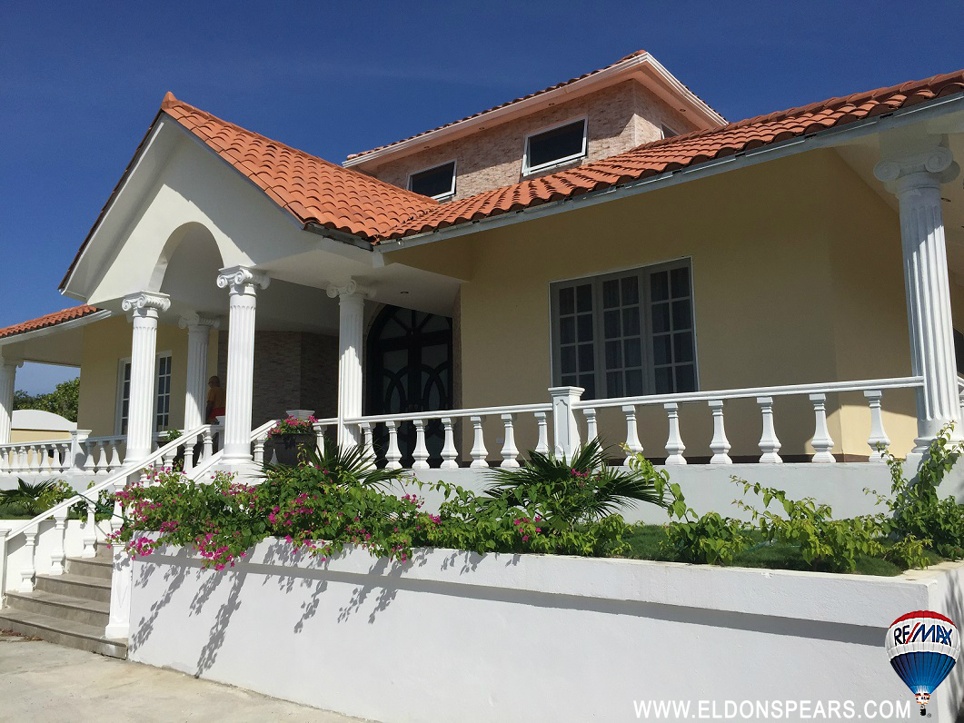 Large Custom Built House in Coronado Golf for Sale  $800,000