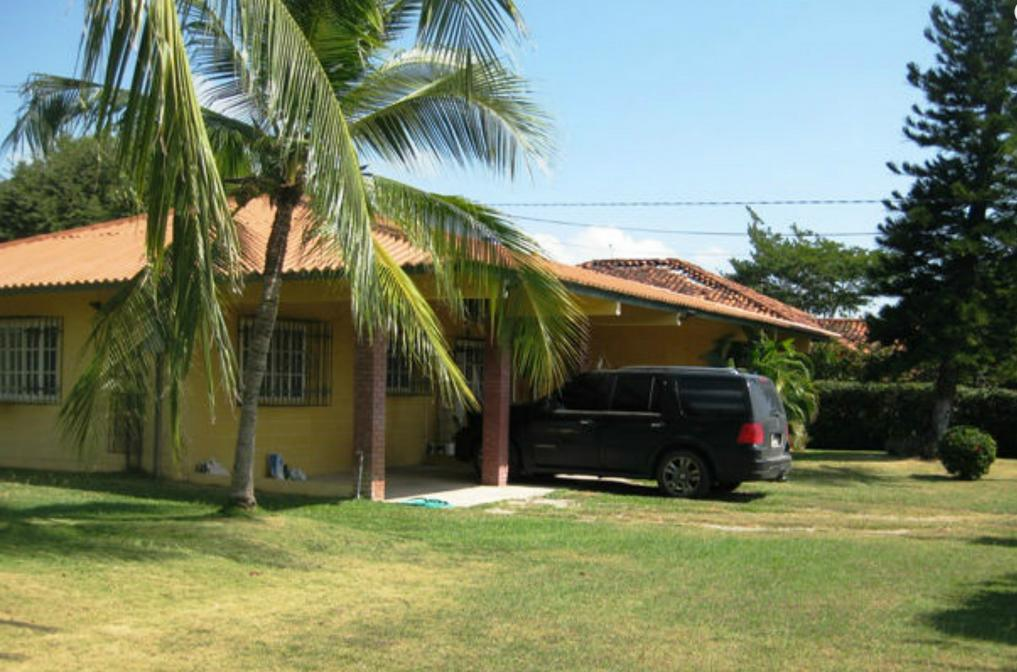 Large Family Home in Playa Coronado